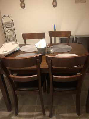 Table/ Kitchen for Sale in Rancho Cucamonga, CA
