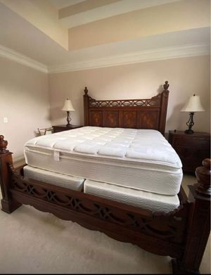 King Size Bedroom Set for Sale in Bethpage, TN