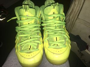 Nike Neon Yellow Foamposites size 9 1/2 for Sale in Temple Hills, MD