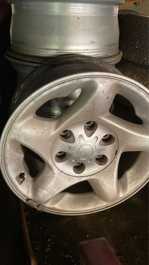 Set of 4 Toyota Tundra 16 inch rims for Sale in Aberdeen, WA