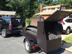Reverse Flow Smoker (Towable) for Sale in Silver Spring, MD