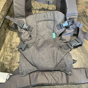 Infantino Flip 4in1 Baby carrier for Sale in Fort Lauderdale, FL
