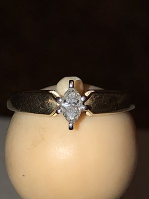 10k gold .35 carat diamond engagement ring for Sale in Mason City, IA