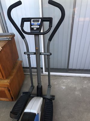 Weslo momentum 620 elliptical for Sale in Clovis, CA