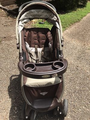 Graco click connect stroller, car seat and base for Sale in Yorktown, VA