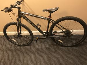 CANNONDALE MOUNTAIN BIKE TRAIL 6 IN LIKE NEW CONDITION, Disk Brakes Large size for Sale in Miami Beach, FL