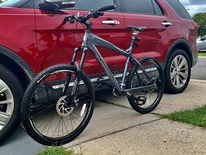 Haro Escape 8.7 - Mountain Bike - Medium Size - Like New for Sale in Orlando, FL
