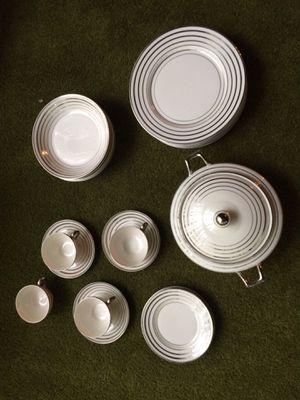 24-piece Warwick china set for Sale in Accokeek, MD