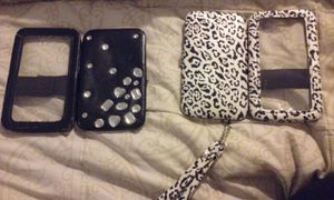 Really cute phone cases with wallet for Sale in Salt Lake City, UT