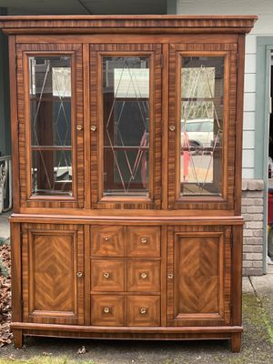 Beautiful China Cabinet for Sale in Sumner, WA