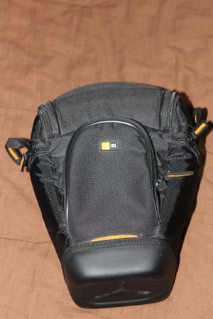 Case Logic SLRC-201 SLR Zoom Holster (Black) Camera Bag for Sale in Seattle, WA