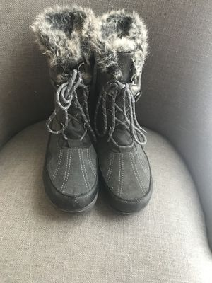 Grey Winter/Hiking/Snow Boots for Sale in Flower Mound, TX