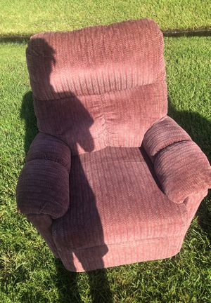 lounge chair recliner will help load for Sale in Port St. Lucie, FL