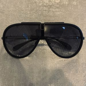 Givenchy Matte Black Sunglasses for Sale in Pittsburgh, PA