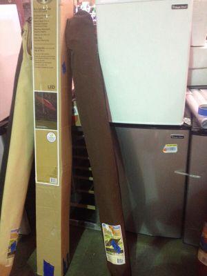 Hampton Bay brown 9 foot umbrella for Sale in Phoenix, AZ