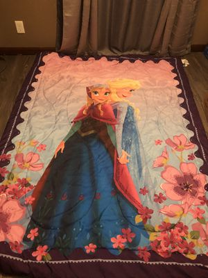 Twin comforter double sided and sheet set Frozen for Sale in Federal Way, WA