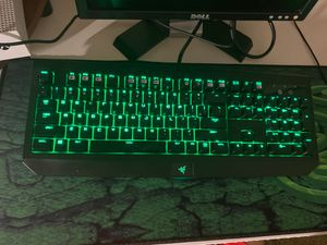 (NOT FREE)Razer Blackwidow ultimate 2016 edition(ONLY UP FOR TRADE READ DESCRIPTION) for Sale in Raleigh, NC