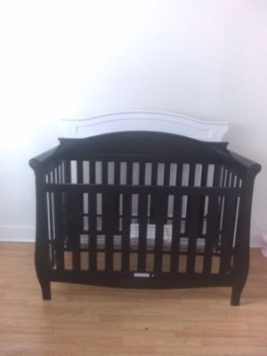 Baby crib for Sale in Columbus, OH