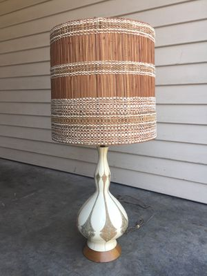 Vintage Mid Century Quartite Creative 1961 Lamp with Shade for Sale in Kirkland, WA