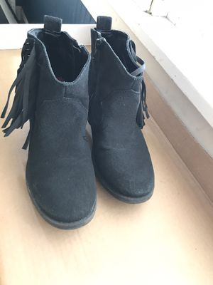 Women's size 8 Fringe Booties/Boots! for Sale in Lisle, IL