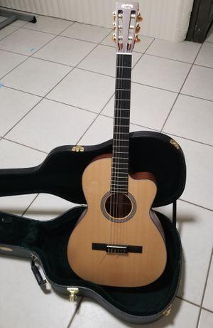 Martin electric acoustic nylon guitar. for Sale in Miami, FL