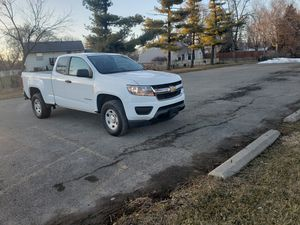 Chevy colorado lt 2wd for Sale in Aurora, IL