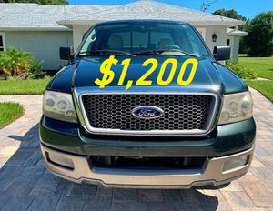 🎁$1,2OO URGENT i selling 2004 Ford F-150 Lariat 4dr truck Runs and drives great beautiful🎁 for Sale in Worcester, MA
