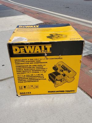 Dewalt D55153 Heavy-Duty 4 Gal 1.1 HP STACKED TANK AIR COMPRESSOR for Sale in Framingham, MA