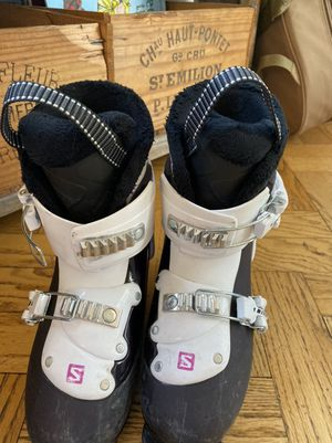 Kids ski boots sizes 17.5 and 21 for Sale in Seattle, WA