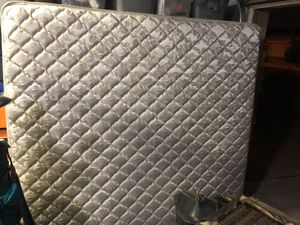 King Mattress, Queen Boxspring for Sale in Mesa, AZ