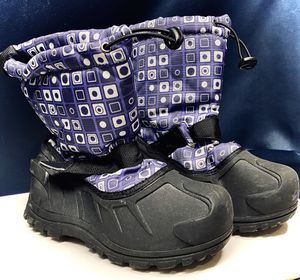 Boys Girls Toddler/Little Kids/Big Kids Frosty Winter Snow Boot - Size 2 for Sale in Denver, CO