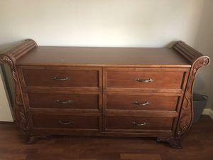 Dresser and 2 nightstands for Sale in Scottsdale, AZ