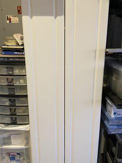 White Two-door Cabinet for Sale in Auburn, WA