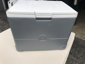 New ice less cooler for Sale in Columbus, OH