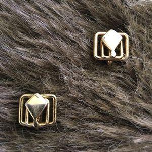 Vintage 50s gold tone screw back clip earrings for Sale in Henderson, NV