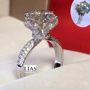 New 18k White Gold Engagement Ring for Sale in Belle Isle, FL