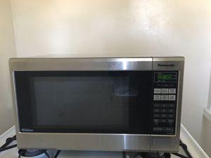 PANASONIC MICROWAVE -1200 watt for Sale in Los Angeles, CA