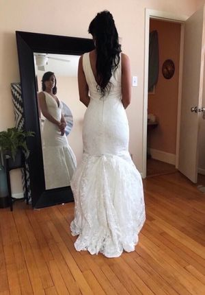 Sally Crew Mermaid Style Wedding Dress ( firm on price ) for Sale in Raleigh, NC