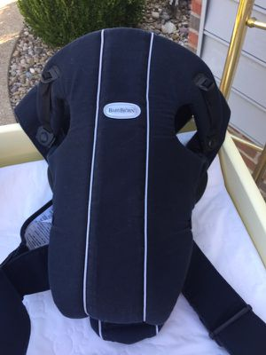 Baby Bjorn carrier for Sale in Zanesville, OH
