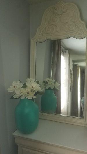 Antique mirror and vase! for Sale in Hampton, VA