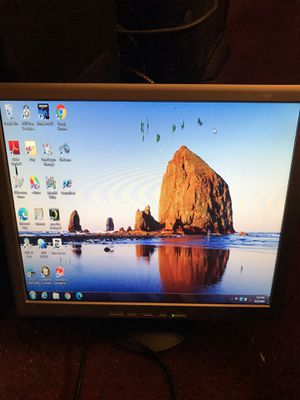 !! Computer Monitor 19 Inch for Sale in San Fernando, CA