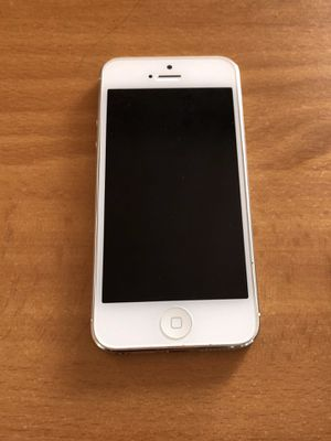 Apple iPhone 5 for Sale in Lawrence, KS