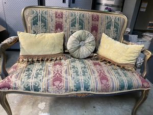Couch & 2 chairs for Sale in Laguna Niguel, CA