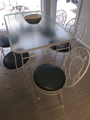 Arlington House Dining table for Sale in Columbia, SC