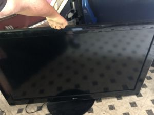 60 inch LG TV for Sale in Brooklyn, OH