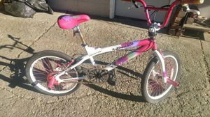 Girls freestyle 20 in bike. Its a Kent. for Sale in Cleveland, OH
