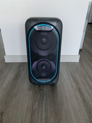 Sony GTK-XB60 ( Bluetooth Party Speaker with EXTRA BASS and LIGHTS) for Sale in Richardson, TX