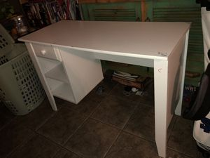 White Desk for Sale in Phoenix, AZ