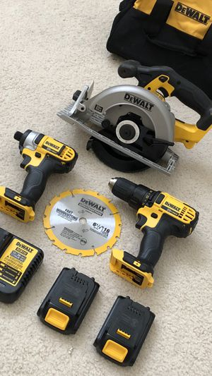 DeWalt 20v MAX 3-Tool Combo Kit with 2 batteries, charger and tool bag for Sale in Hacienda Heights, CA