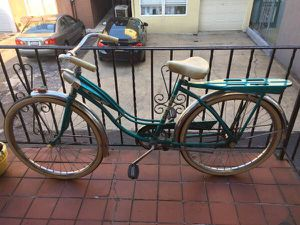 Vintage Columbia Cruiser Bike TEAL! for Sale in Queens, NY